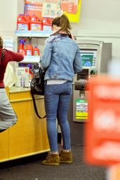 Emily Blunt - Shopping at CVS Pharmacy in Los Angeles 3/1/2016
