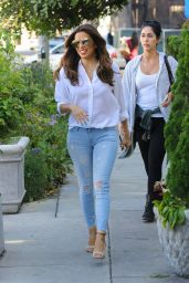Eva Longoria Gets Her Hair Done at Ken Paves Salon in West Hollywood 3/15/2016