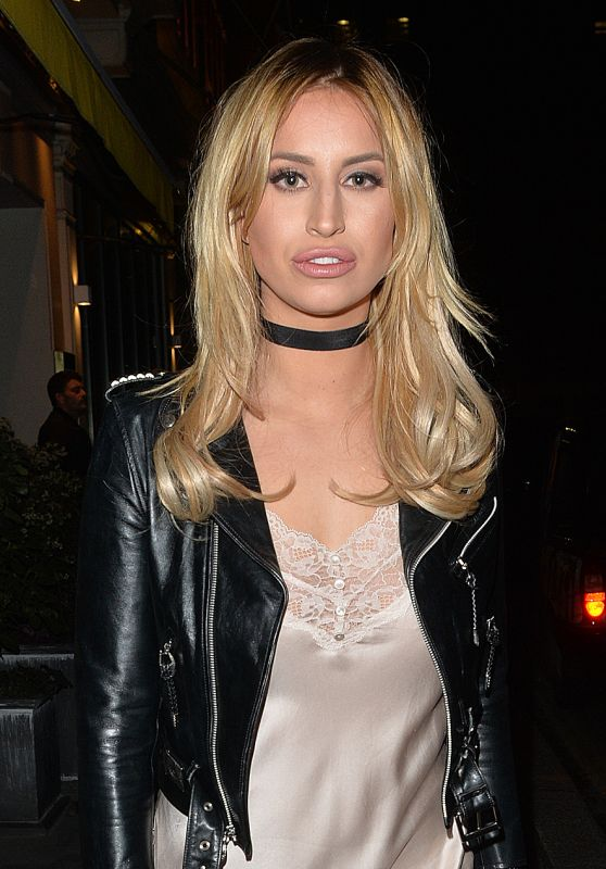 Ferne McCann - Leaving Drama Nightclub in London at 3am 3/6/2016