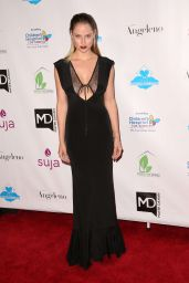 Genevieve Morton – 'A Brighter Future For Children' Charity Gala in Los Angeles, March 2016