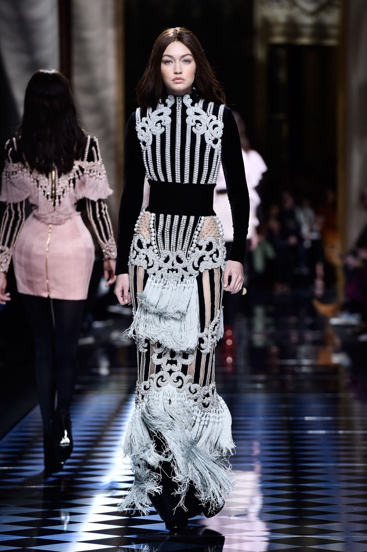 Fashion Show Coloring Pages For Adults: Paris Fashion Week 3/3