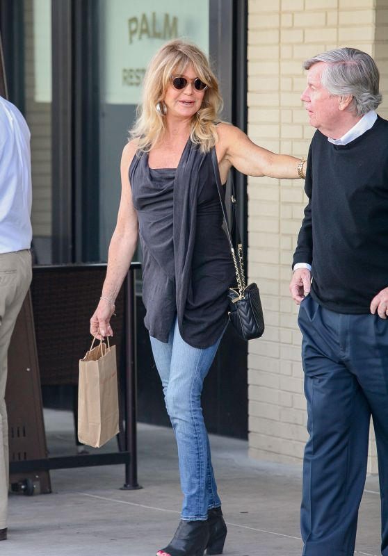 Goldie Hawn Street Style - Out in Los Angeles, March 2016