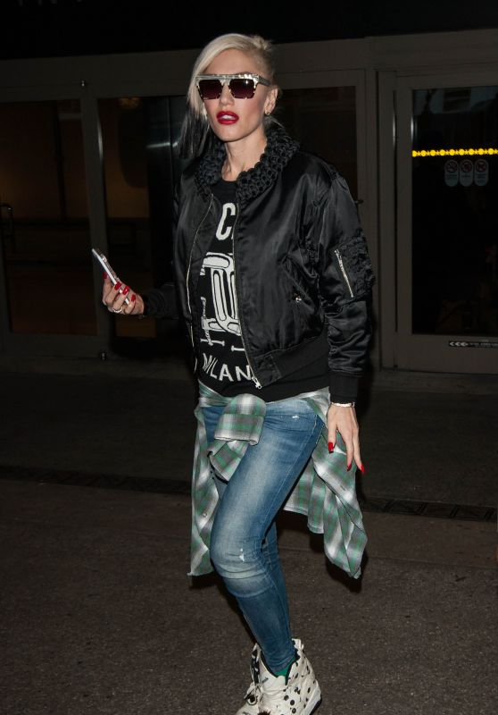Gwen Stefani Street Style - at LAX Airport in Los Angeles, March 2016