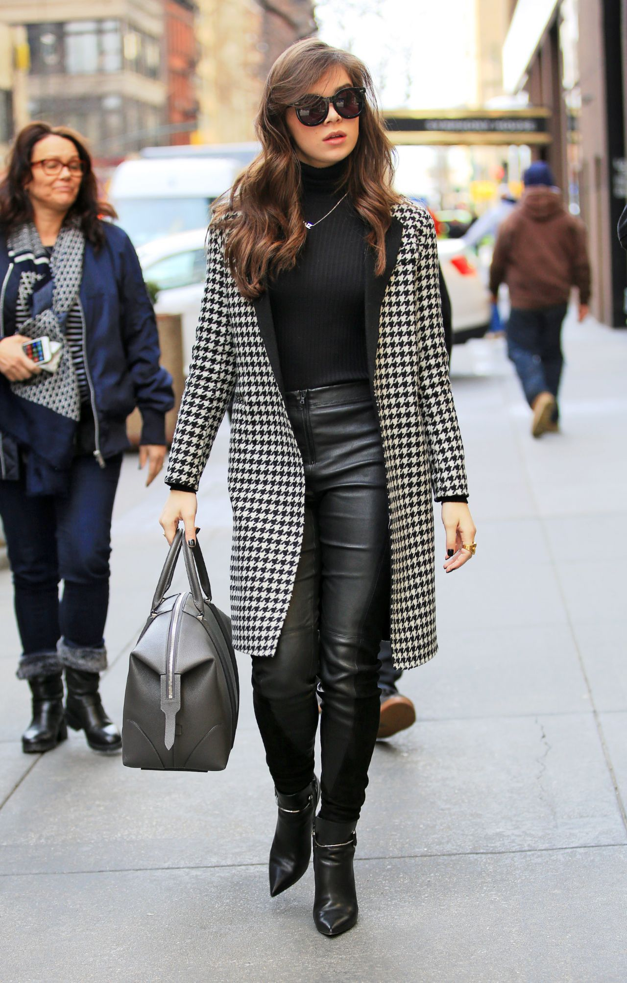 Hailee Steinfeld Style Out In Nyc 3 3 2016