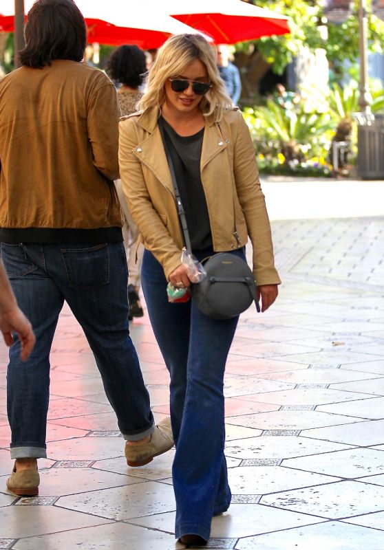 Hilary Duff Shopping at the Grove in Los Angeles, 3/22/2016