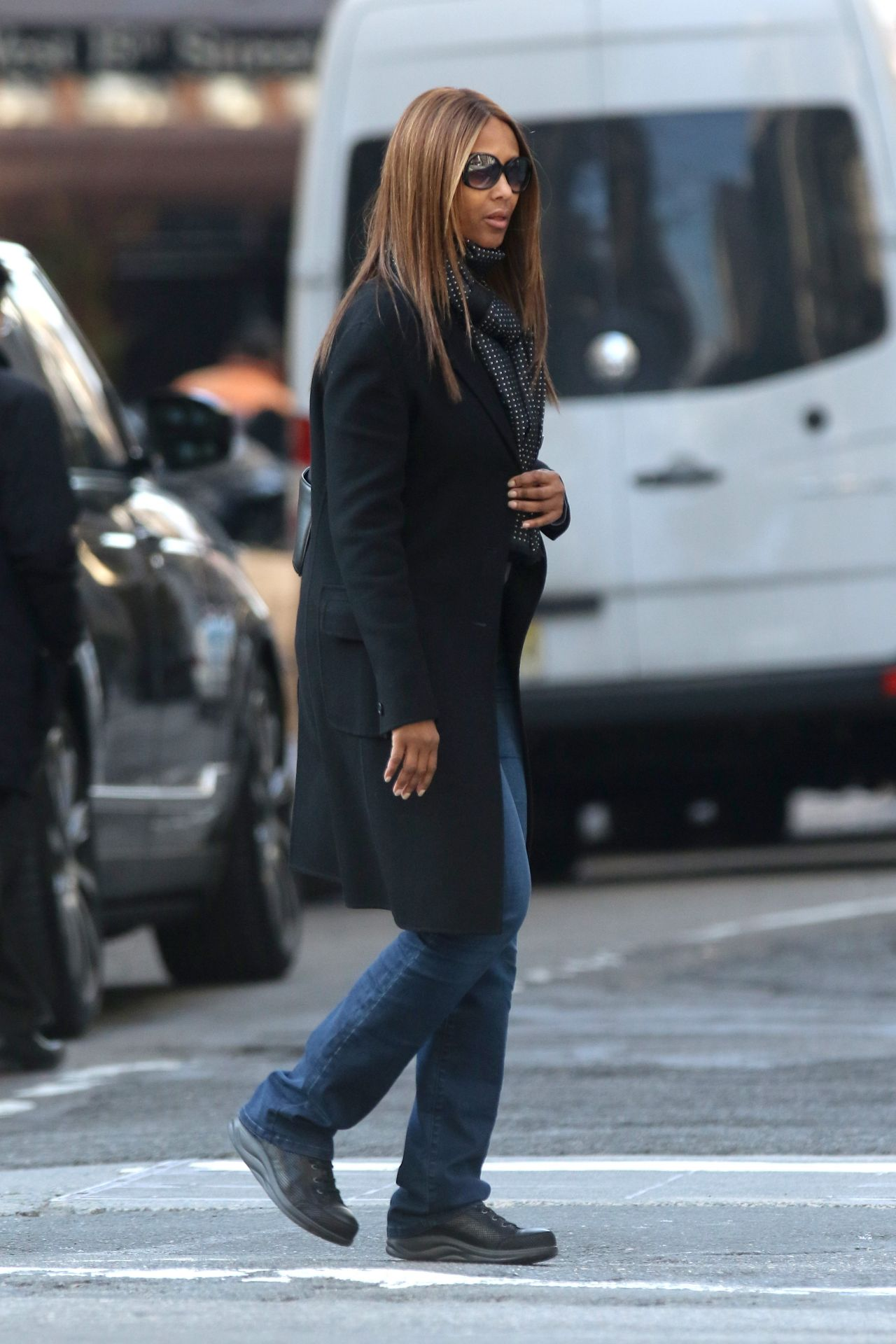 Iman Shopping On Fifth Avenue In Nyc 3 7 2016