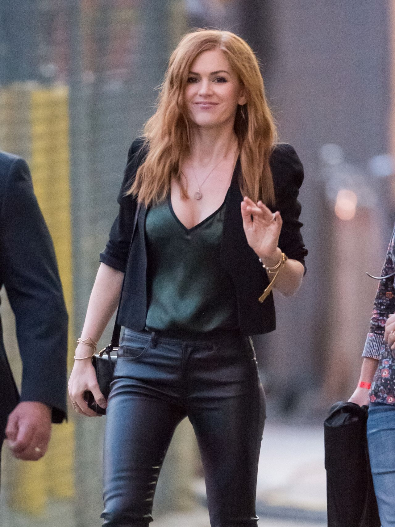 Isla Fisher Arriving At The Abc Studios For Jimmy Kimmel