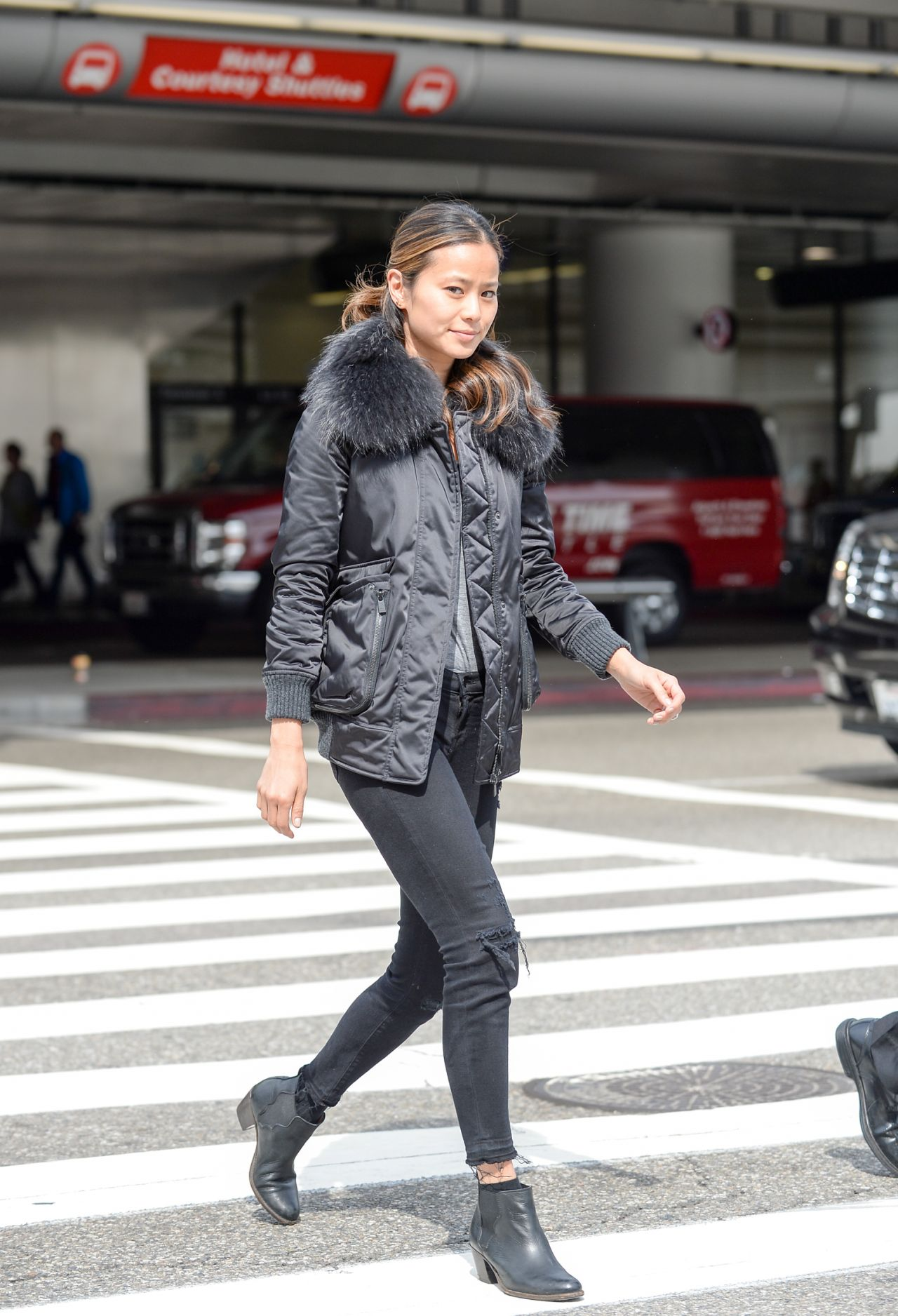 Jamie Chung Street Style Lax Airport In Los Angeles 3 3 2016