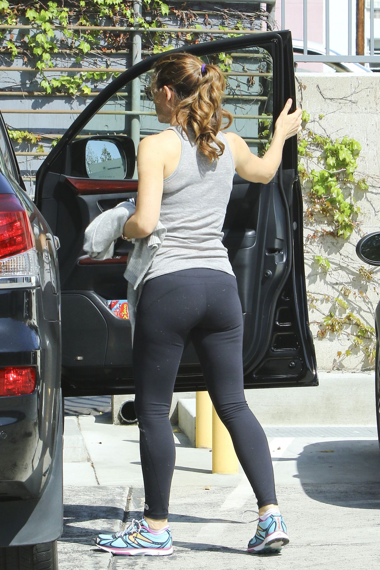 Jennifer Garner S Ass 76