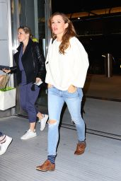 Jennifer Garner is Casual Chic Leaving New York City 3/18/2016