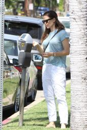 Jennifer Garner - Out in Brentwood 3/26/2016