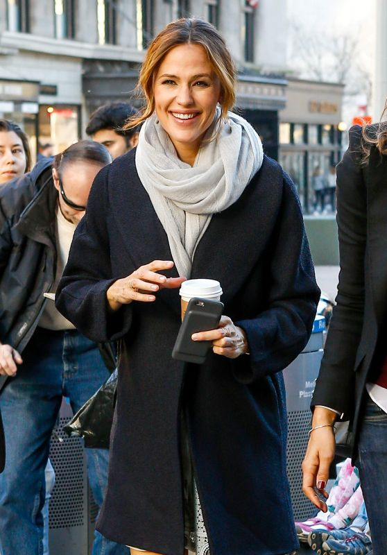 Jennifer Garner - Out in NYC 3/16/2016