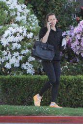 Jennifer Garner Running Errands in Brentwood 3/22/2016