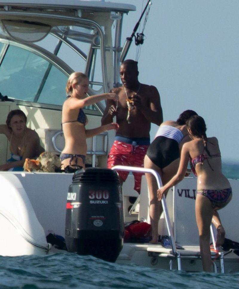 Jennifer Lawrence In A Bikini In Bahamas 3 4 2016