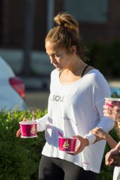 Jennifer Lopez - Out for Frozen Yogurt in Calabasas, March 2016