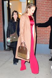 Jennifer Lopez Style - Leaving Her Apartment in New York City 3/01/2016