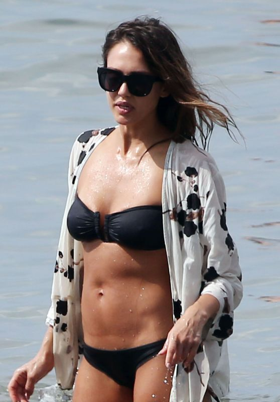 Jessica Alba in Black Bikini - Hawaii 3/23/2016