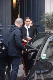 Jessica Alba on Her Way to the Dior Fashion Show in Paris 3/4/2016