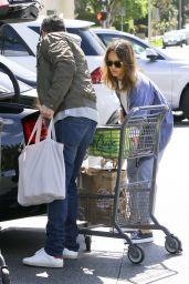 Jessica Alba - Shopping in Beverly Hills 3/6/2016