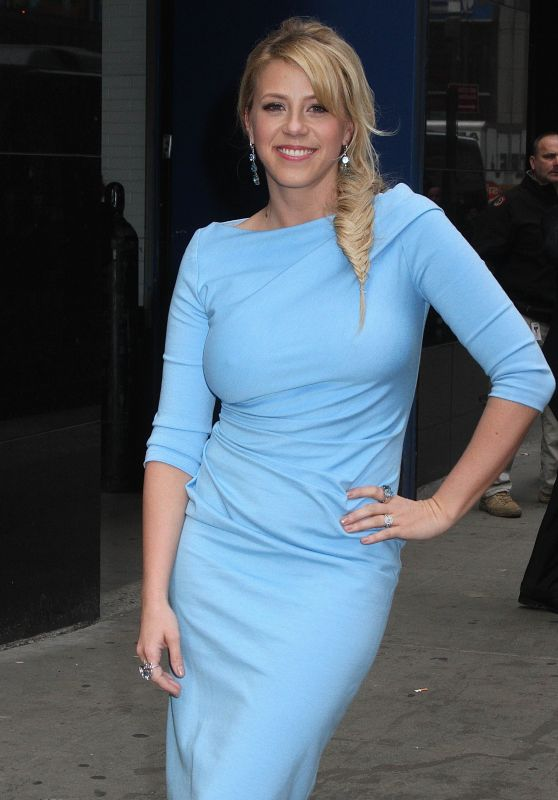 Jodie Sweetin Style - at Good Morning America in NYC 3/8/2016