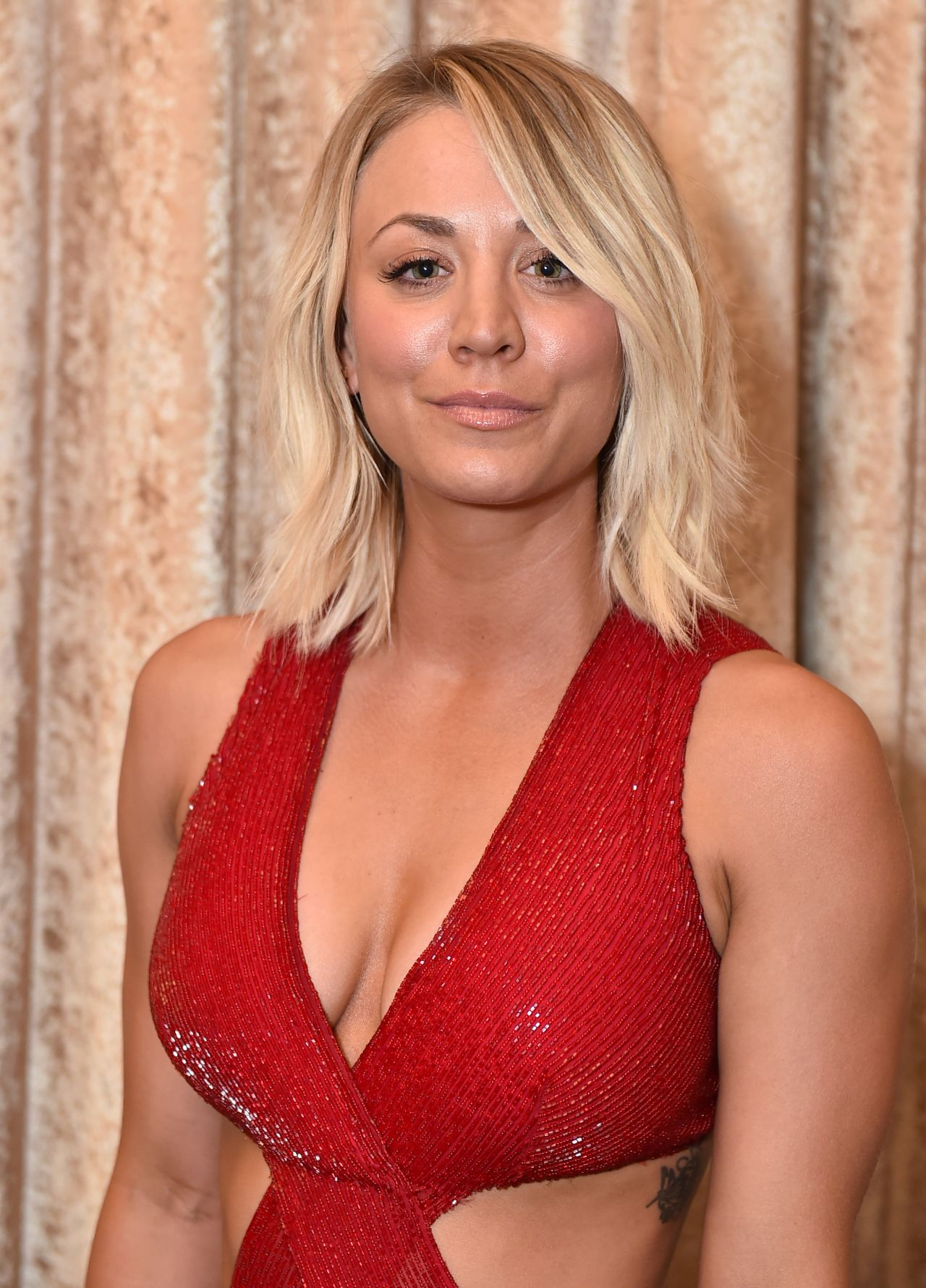 Kaley Cuoco - 2016 Alzheimers Association A Night At -7277