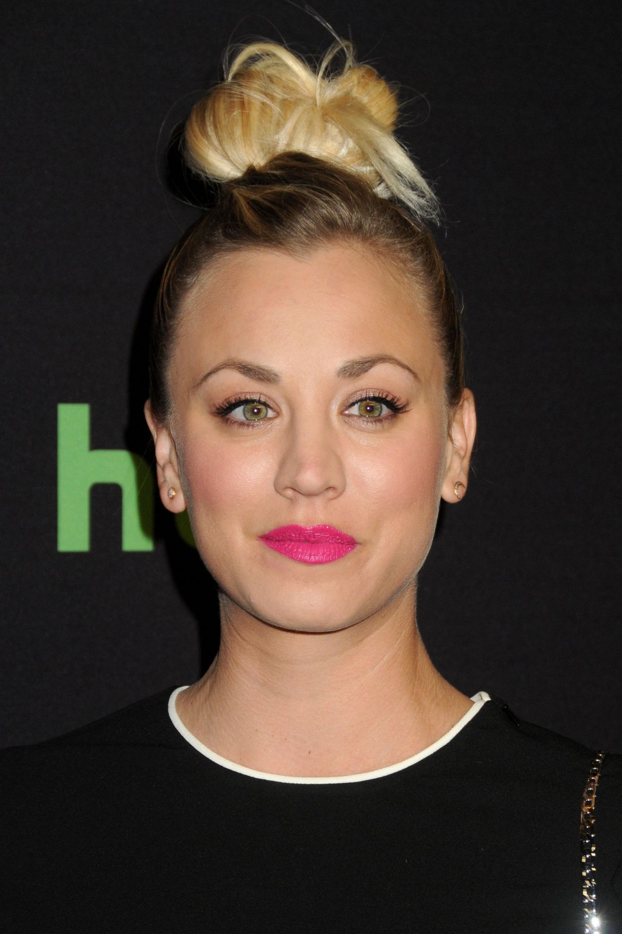 Kaley Cuoco 33rd Annual Paleyfest The Big Bang Theory