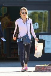 Kaley Cuoco - Shops at CVS in Los Angeles 3/23/2016