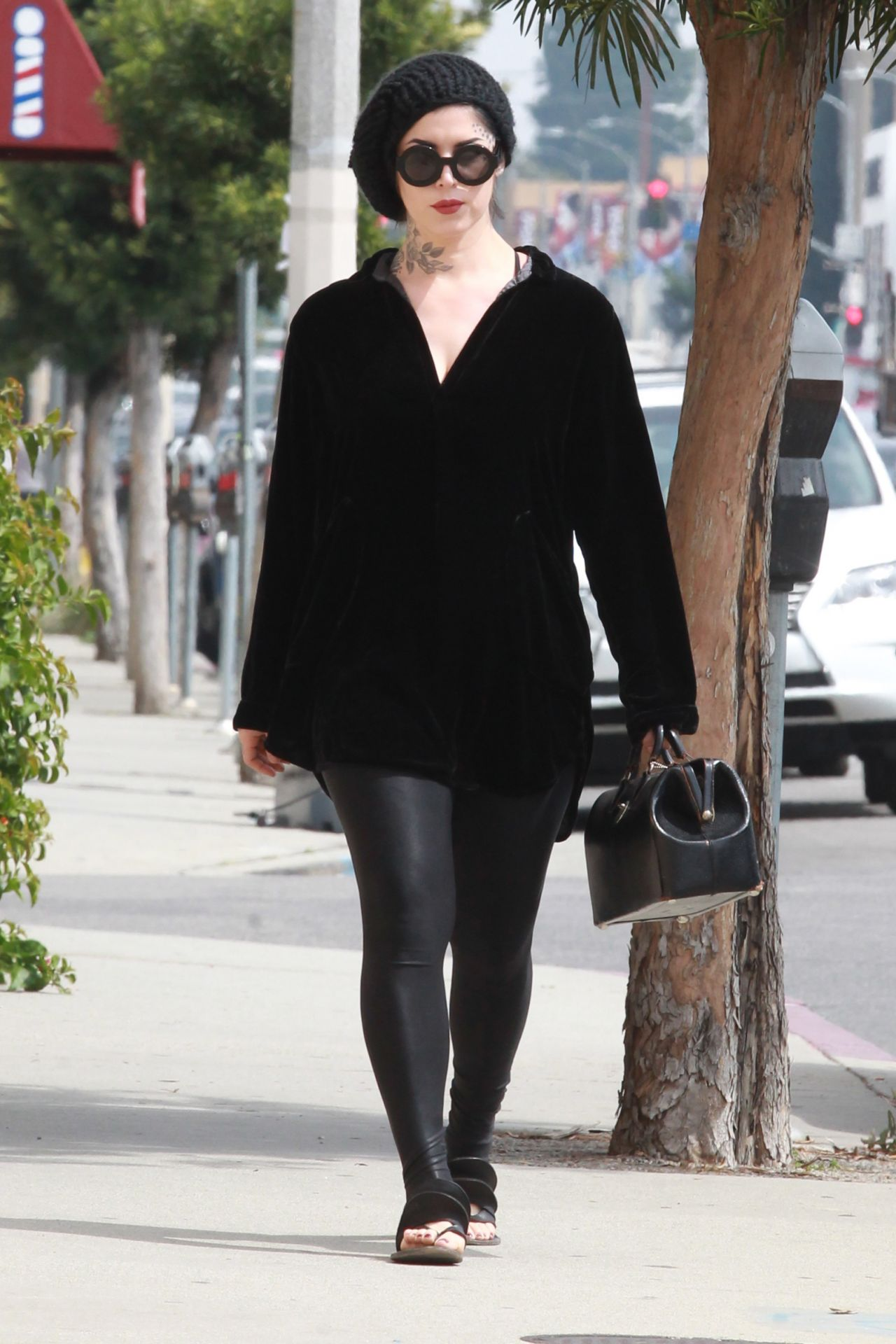 Kat Von D Casual Chic Style - Shopping in Beverly Hills 3 ...