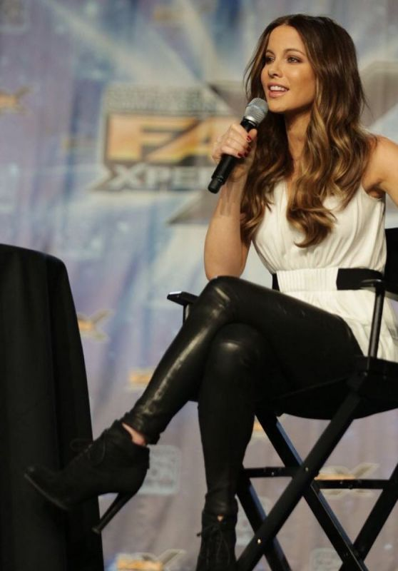 Kate Beckinsale - at Salt Lake Comiccon Fan Xperience Instagram 3/26/2016