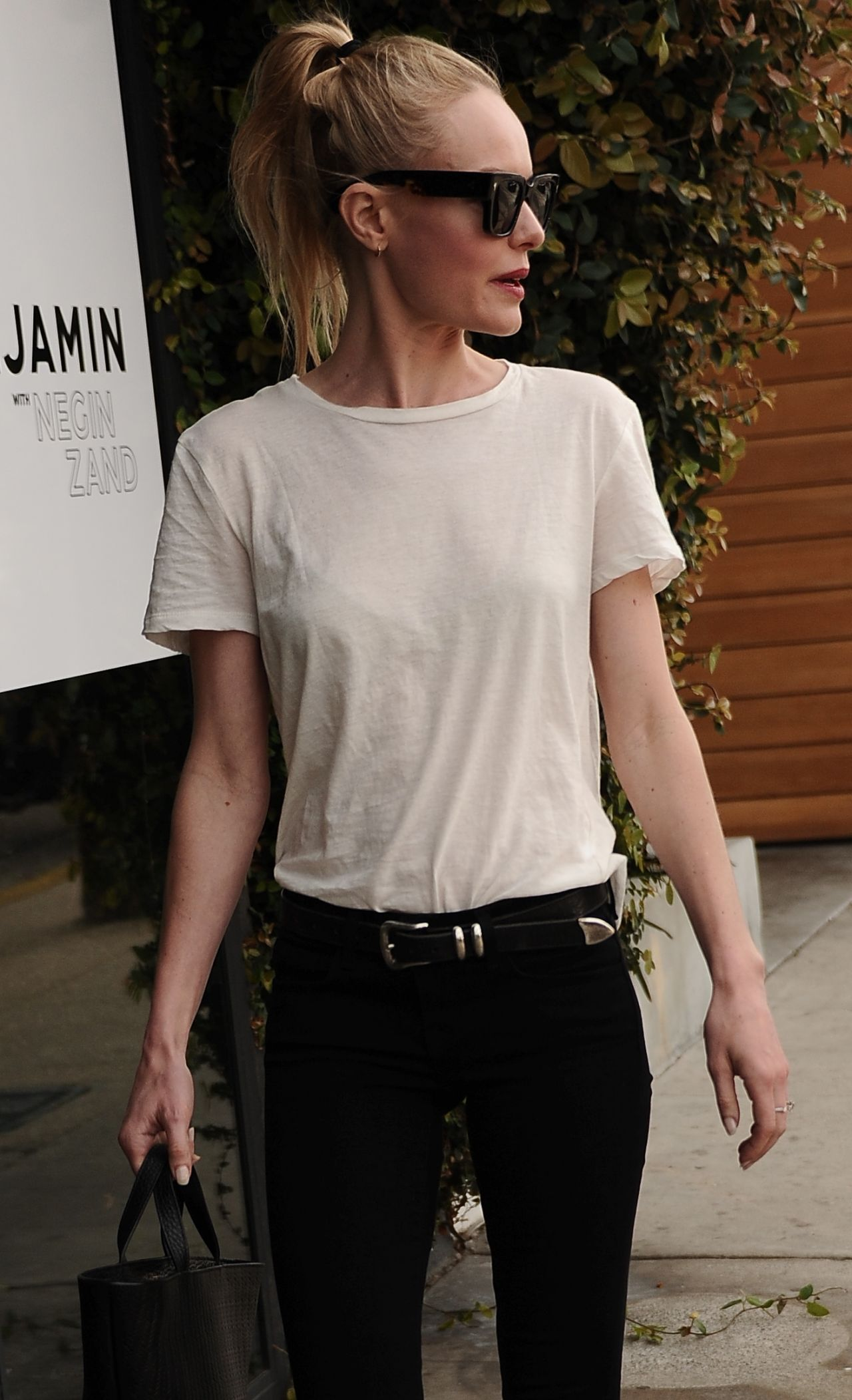 Kate Bosworth Street Style - Out on Melrose in West ...