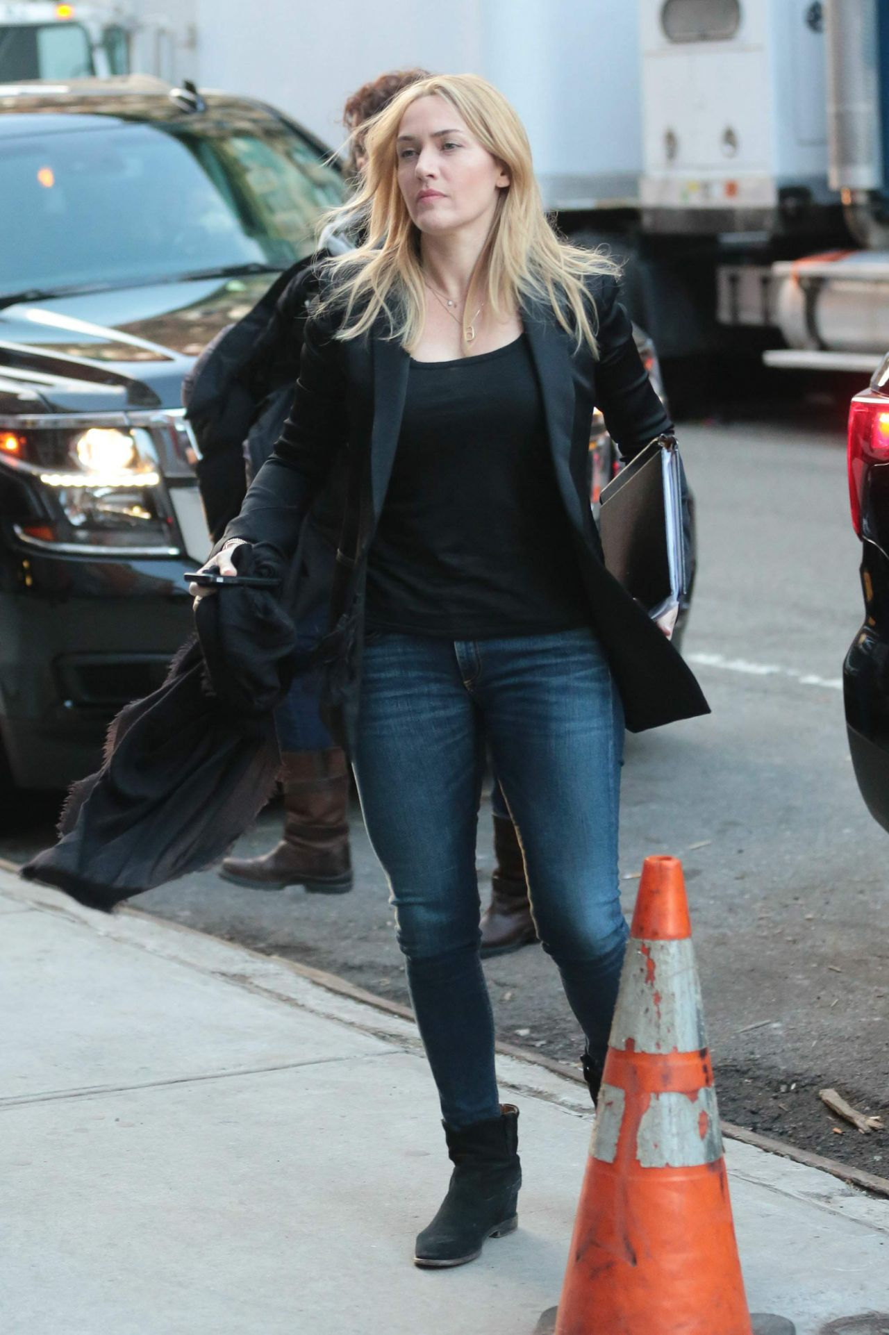 Kate Winslet Out In Nyc 3 1 2016