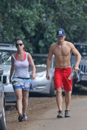 Katy Perry and Orlando Bloom - Hiking in Hawaii, February 2016