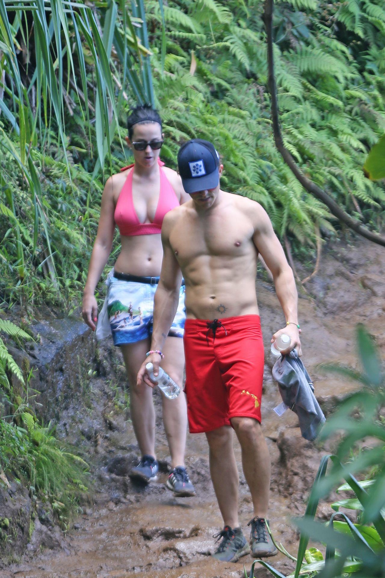 Katy Perry And Orlando Bloom - Hiking In Hawaii, February 2016-3122
