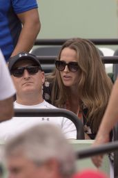 Kim Murray - Supports Her Husband as He Plays in the 2016 Miami Open