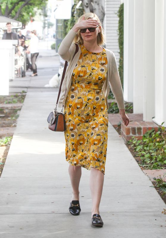 Kirsten Dunst - Strolling in Los Angeles 3/02/2016