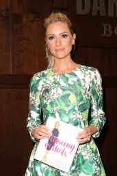 Kristin Cavallari Signs Copies of Her New Book