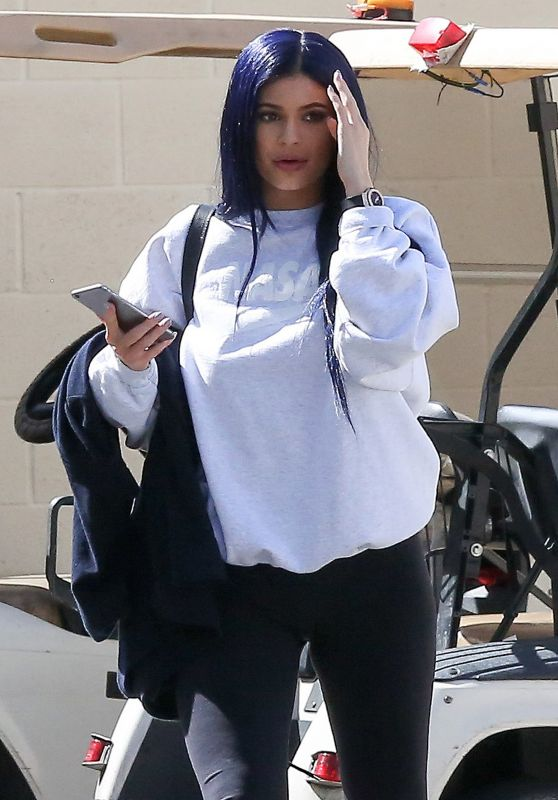 Kylie Jenner Shows Off Her New Hair Color- Out in Calabasas 3/12/2016