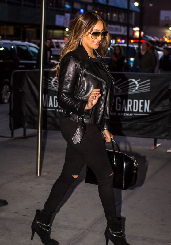 La La Anthony at Knicks Game in New York City 3/26/2016