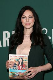 Laura Prepon - Signing of Her New Book at the Barnes & Noble at the Grove in Los Angeles