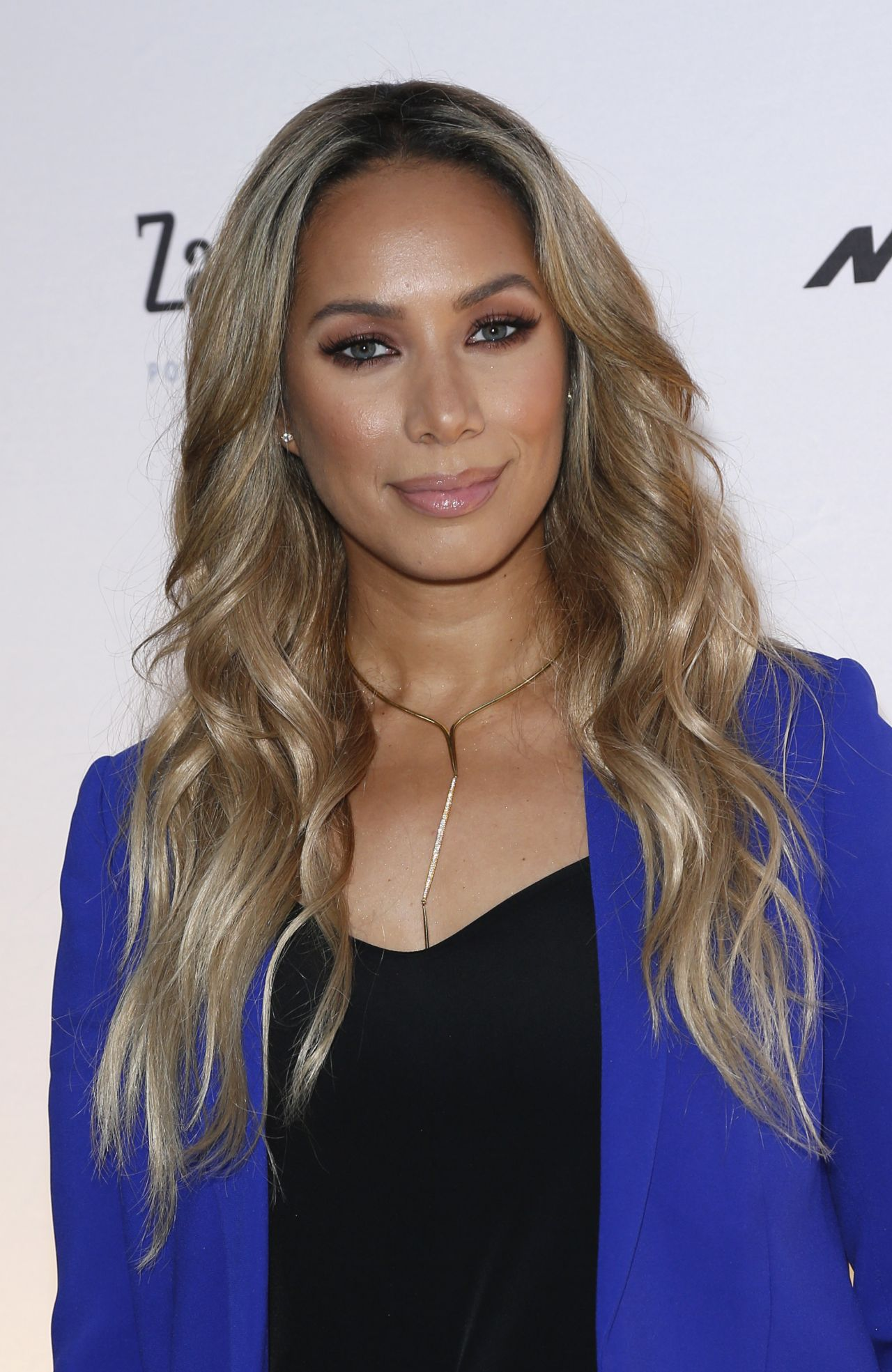 Leona Lewis One Night For One Drop Blue Carpet In Las