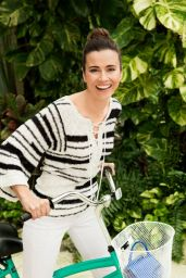 Linda Cardellini Photoshoot - Good Housekeeping April 2016