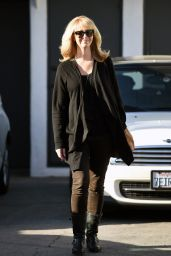 Lisa Kudrow Street Style - Leaving Meche Salon in Beverly Hills 3/22/2016