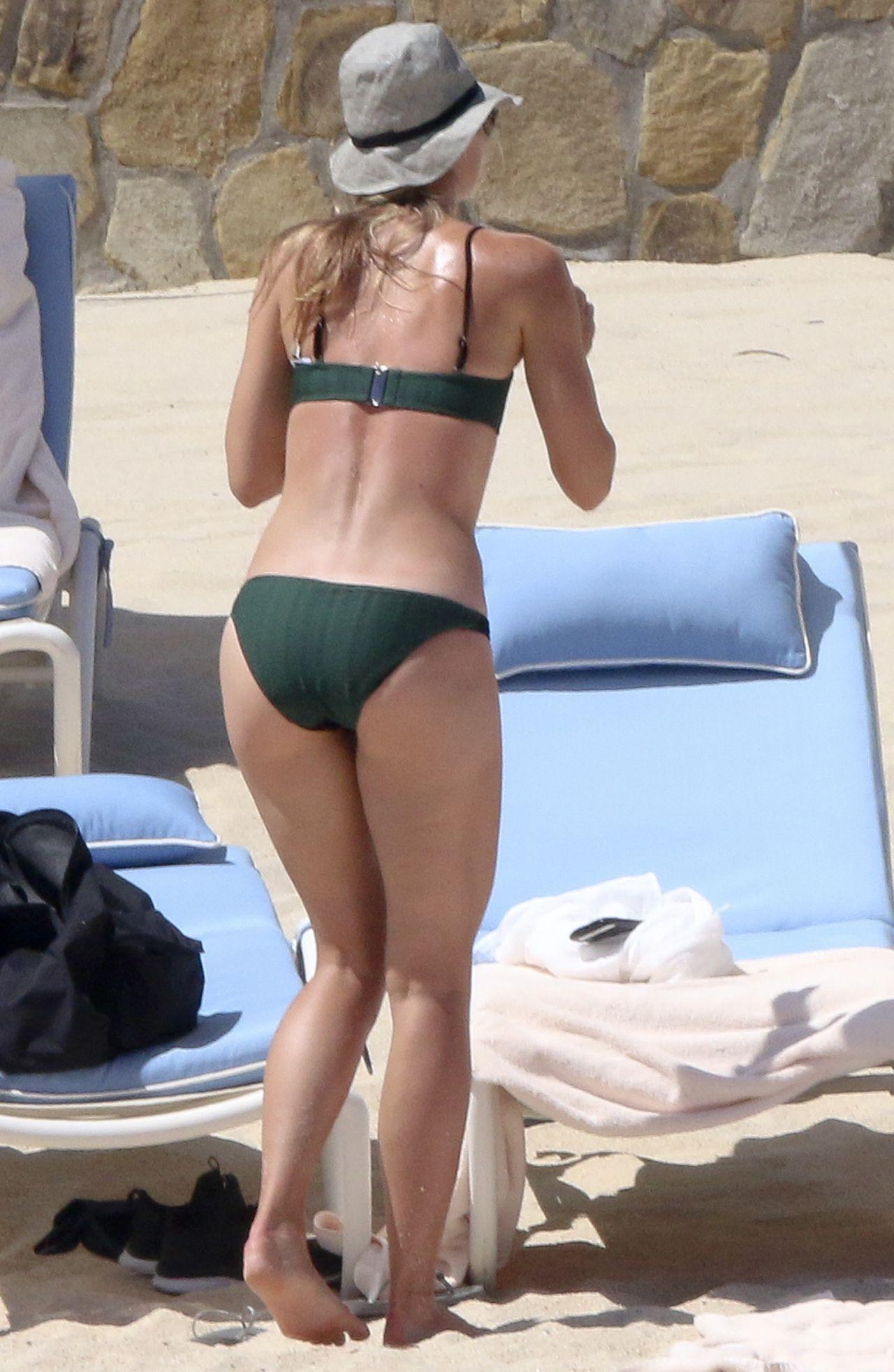 Maria Sharapova In Green Bikini In Cabo 3 27 2016