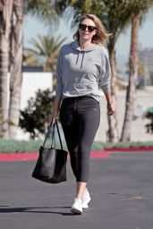 Maria Sharapova in Leggings - Spotted at an LA Gym, March 2016