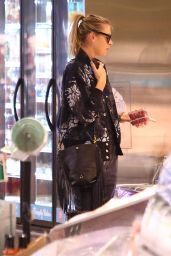 Maria Sharapova - Shopping at Whole Foods in Los Angeles 3/8/2016