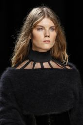 Maryna Linchuk – Balmain Show – Paris Fashion Week, March 2016