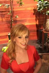 Melissa Rauch Social Media Photos, March 2016