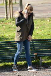 Michelle Hunziker at the Park in Milan, Italy 3/1/2016