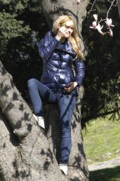 Michelle Hunziker Enjoy a Morning at the Park in Milan, Italy 3/18/2016