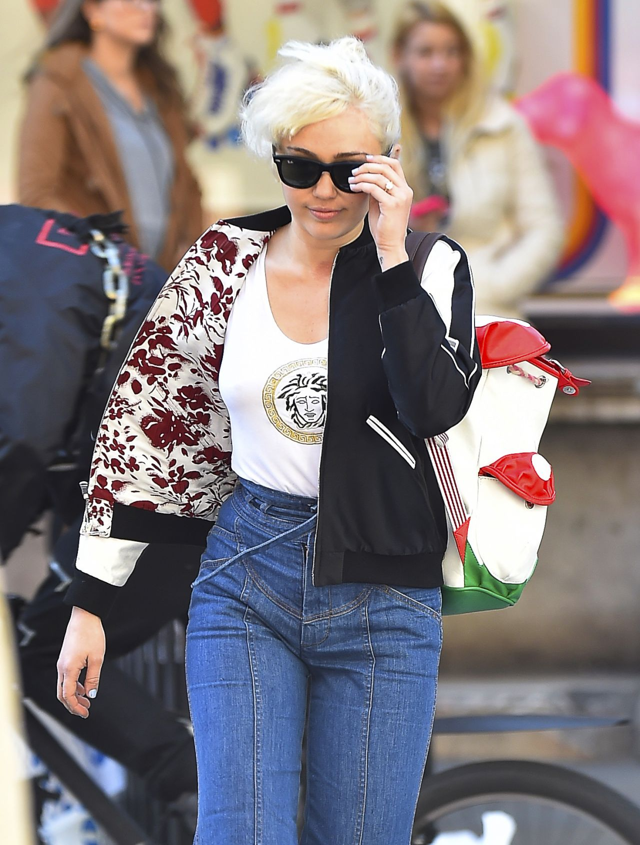 Fashion style Cyrus miley street style for lady